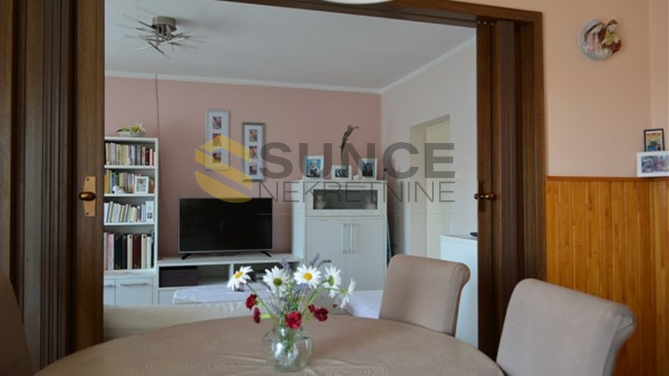 The island of Krk, Krk,  apartment 128m2 with two residential units, 200 m from the sea.