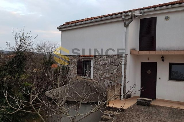 Malinska, renovated old house with two apartments!
