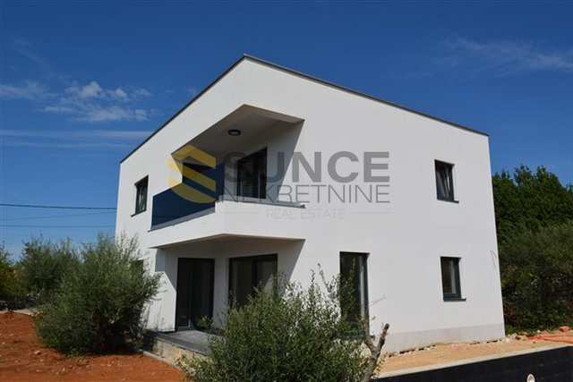 The island of Krk, Sotovento, new modern house of 200m2 with swimming pool!