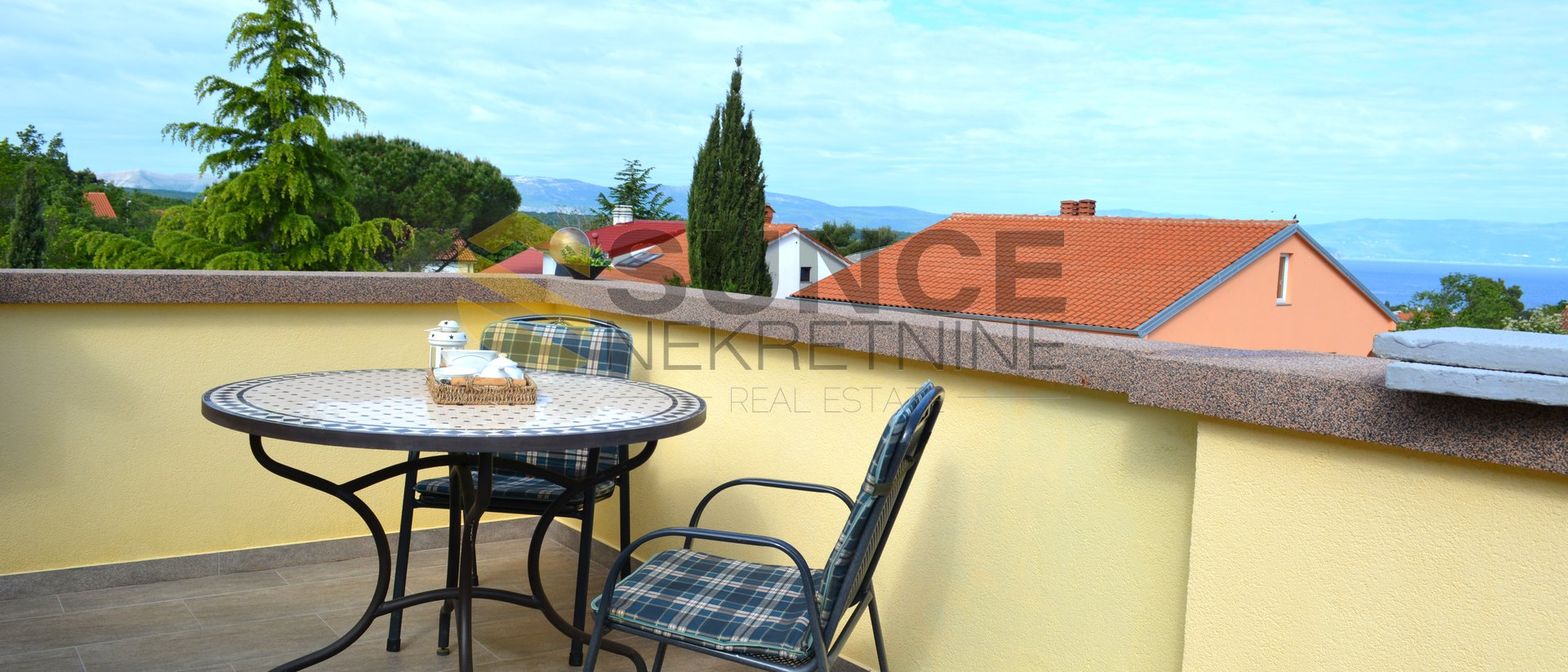 Island of Krk, Malinska, apartment of 42,45m2 with a beautiful terrace and beautiful sea view!