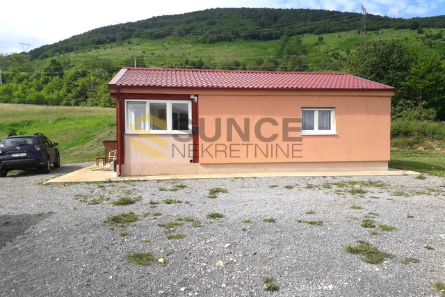 BRINJE, DETACHED HOUSE WITH 2415M2 OF BUILDING LAND!
