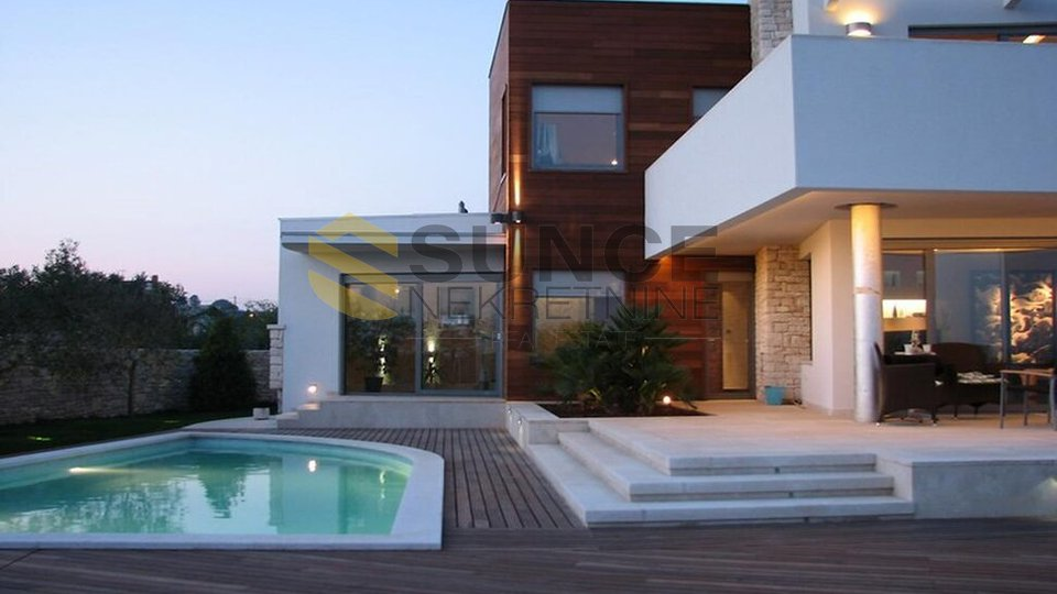 ISTRIA, URBAN MEDITERRANEAN VILLA WITH SEA VIEW!