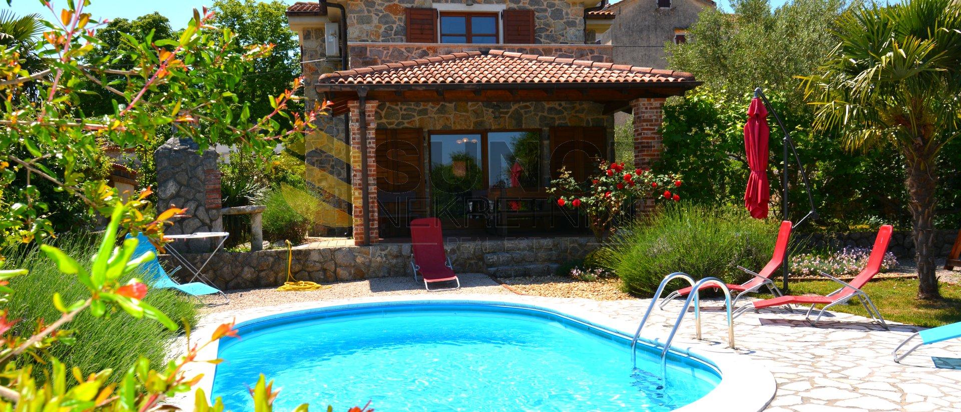 L'isola di Krk, nuova casa in pietra con una bellissima vista sul mare, piscina, giardino paesaggistico!