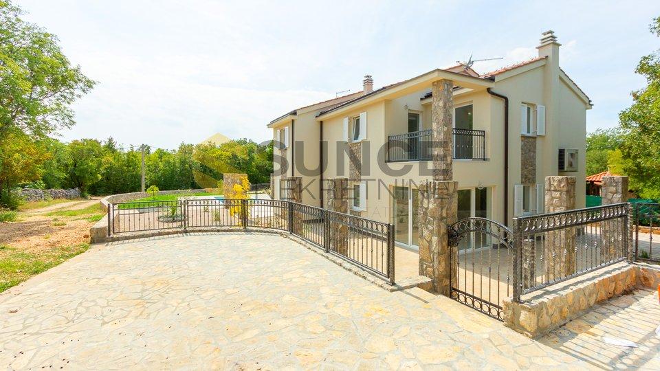 Otok Krk, Dobrinj, nova dvojna kuća na lijepoj i mirnoj poziciji!