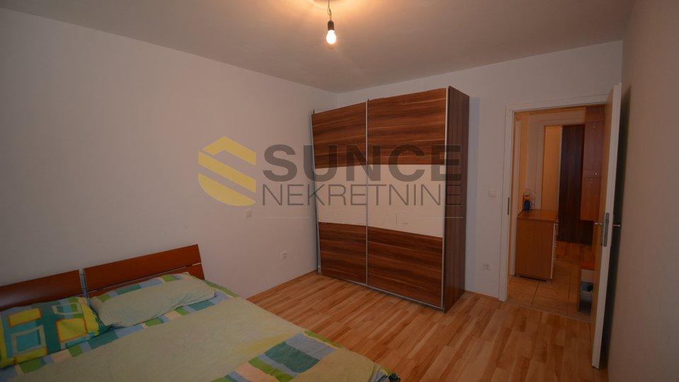 L'isola di Krk, Punat, appartamento di 59,80 m2 con giardino e garage!